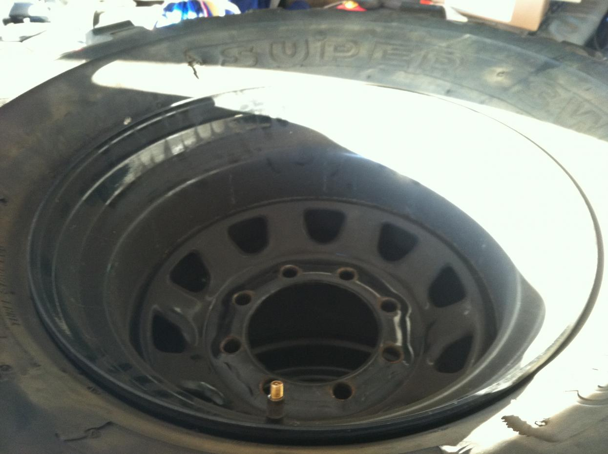 Got a set of rims and tires up for grabs-photo-4-.jpg