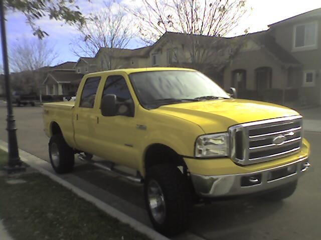 Yellow trucks-photo_122708_001.jpg