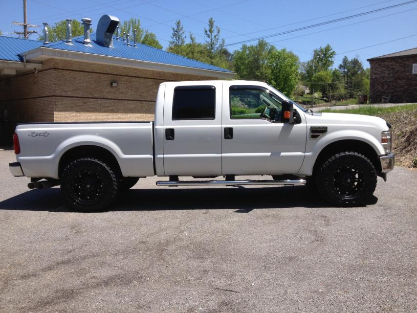 295/70 Nitto's on 18x9 Fuel Hostages-photot.jpg