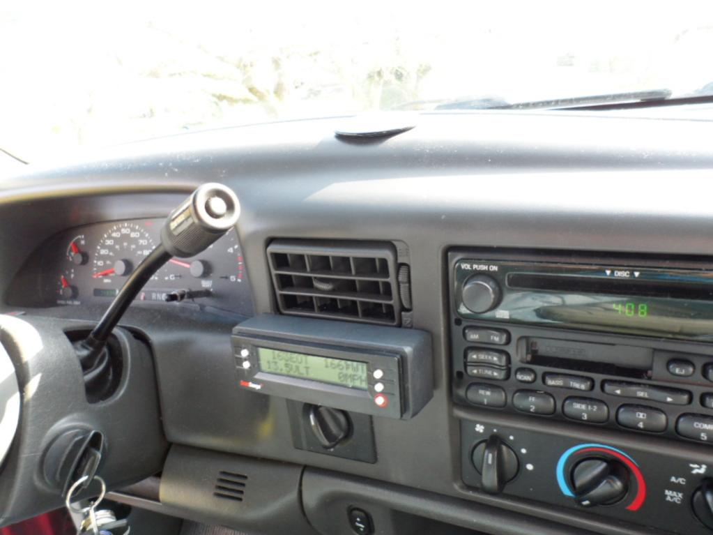 mounting of SG2 on '03 dash-sam_0216.jpg