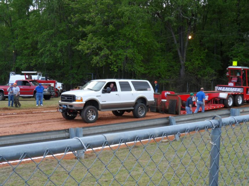 1st time at the track with the Excursion (PICS)-sam_0226.jpg