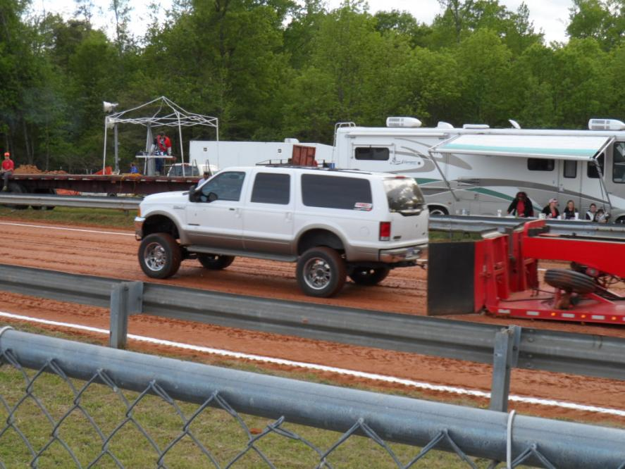 1st time at the track with the Excursion (PICS)-sam_0228.jpg