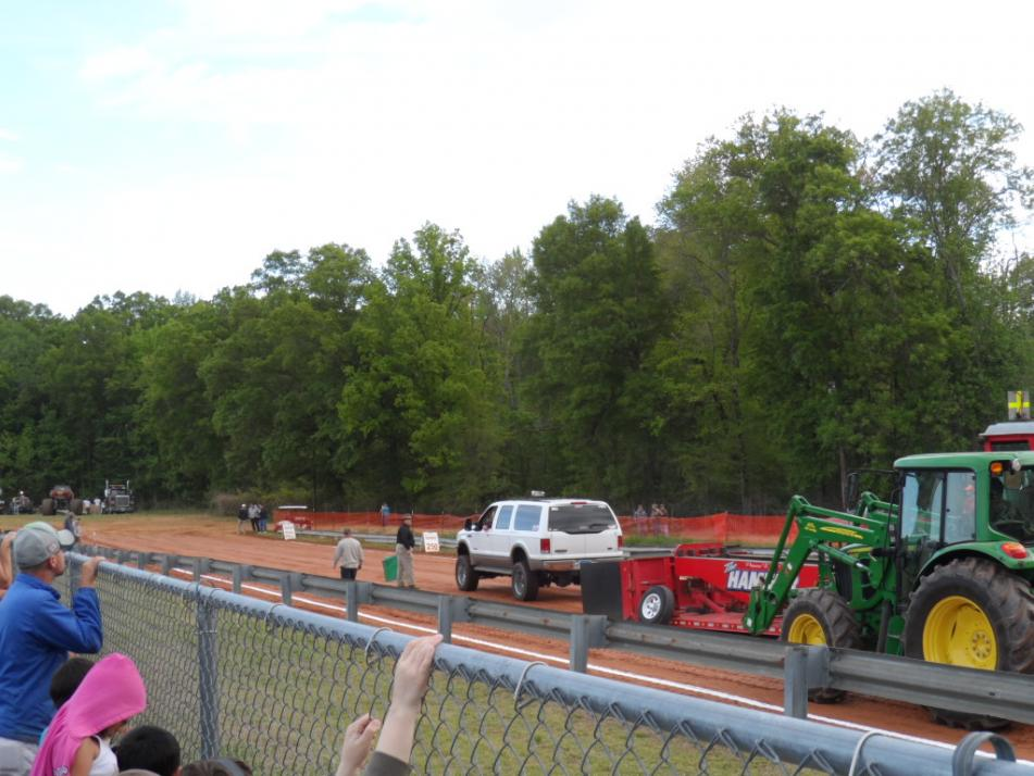 1st time at the track with the Excursion (PICS)-sam_0230-copy.jpg