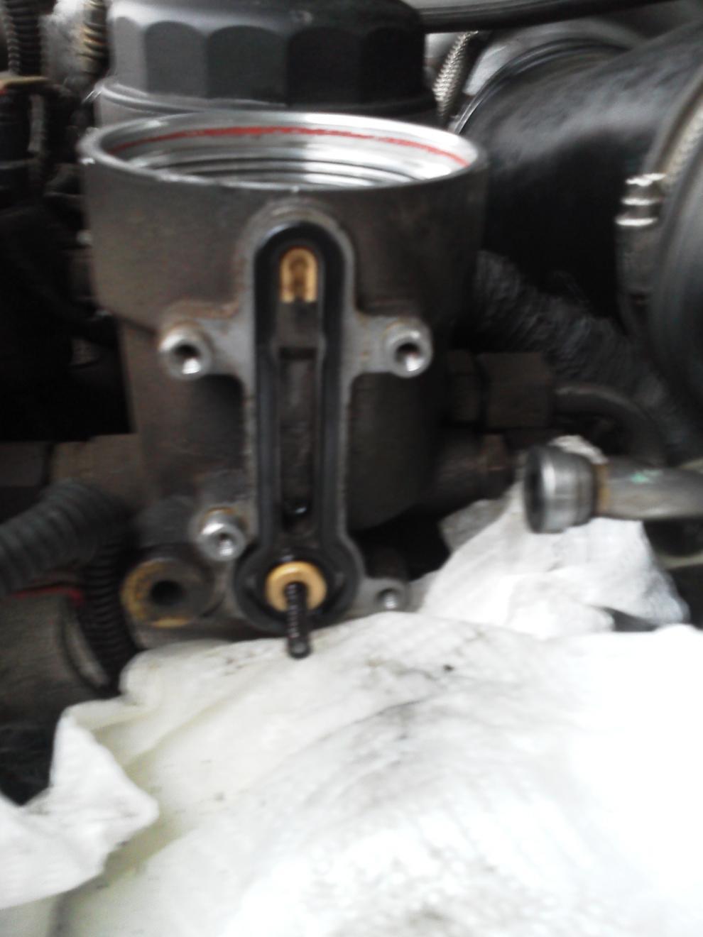 My BLUE SPRING Update!-step-3-remove-fule-return-line-using-7-8-13-16-wrench-then-4-regulator-screws-.jpg