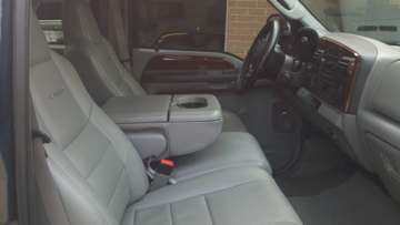 07 Lariat F-250 Crew Cab for sale.-truck-front-seat.jpg