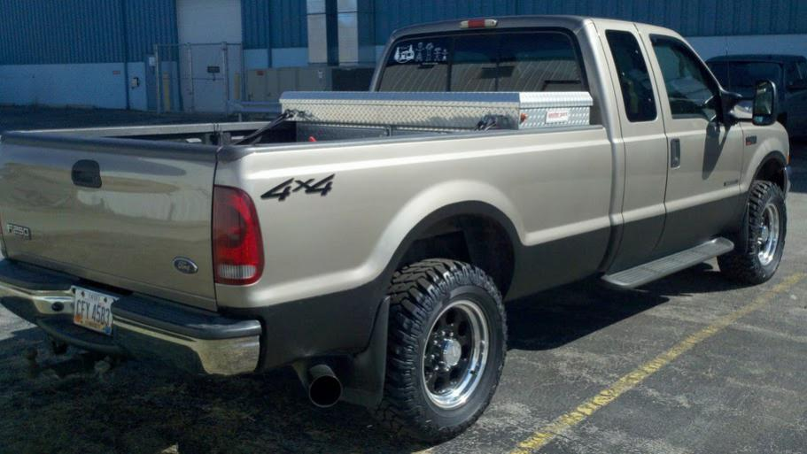 Just ordered my Cooper STT tires 305/60R18 on a no lifted 02 f250 hope they fit!-truck01.jpg