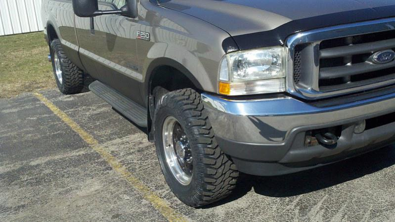 Just ordered my Cooper STT tires 305/60R18 on a no lifted 02 f250 hope they fit!-truck03.jpg