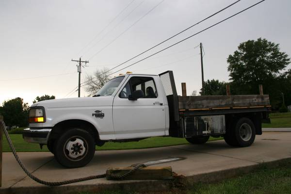 95 Cab and Chassis with oil leak,buy or no buy-truck2.jpg