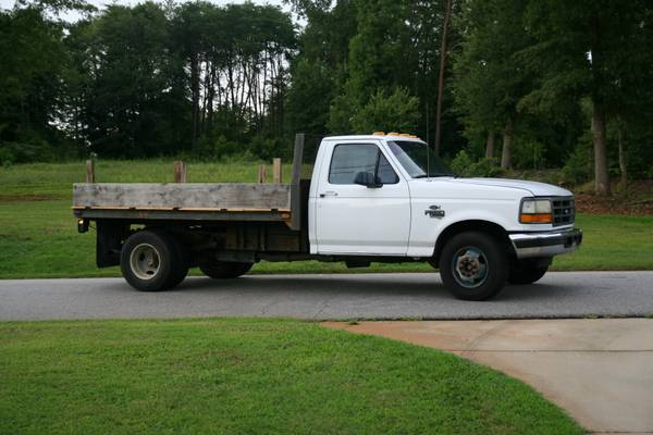 95 Cab and Chassis with oil leak,buy or no buy-truck5.jpg